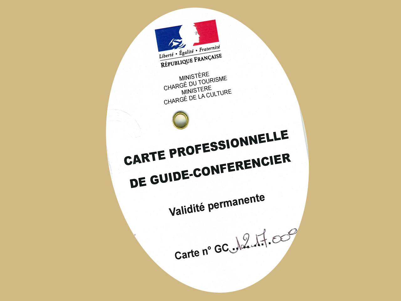 2018 02 18 professional badge licensed guide Marie HALLIER