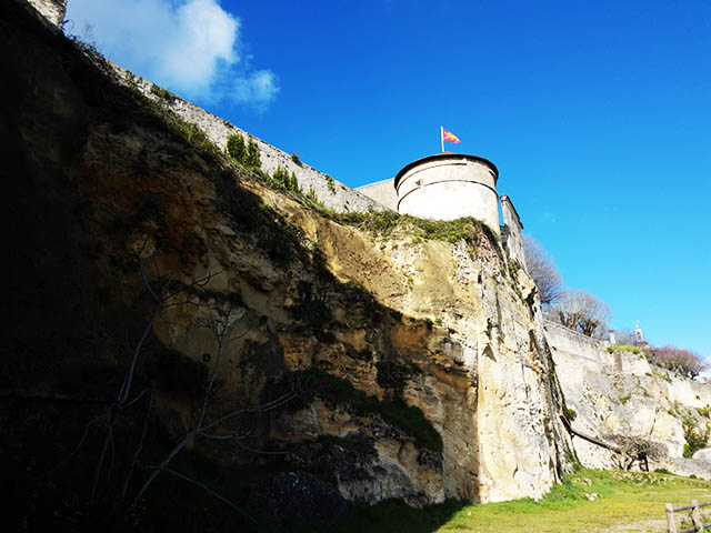 limestone cliff in Bourg sur Gironde
