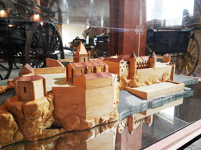 village model - Horse drawn carriage museum in Bourg sur Gironde