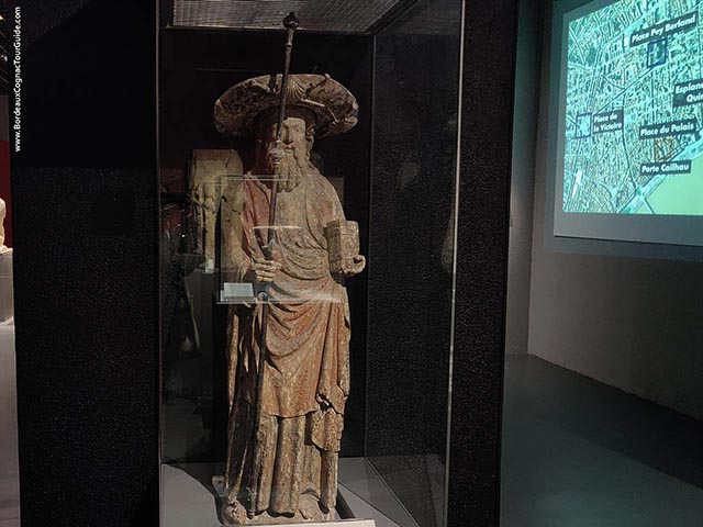 Wooden statue James The great - XV° century (Aquitaine Museum, Bordeaux)