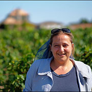 Marie HALLIER, Licensed Tourist guide Bordeaux, Cognac and vineyards