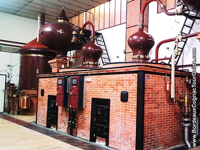 Cognac alambic : Charentais copper pot still