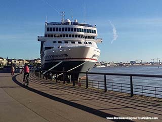 FAQ 05 - When do I need to start planning my shore excursion from Bordeaux?