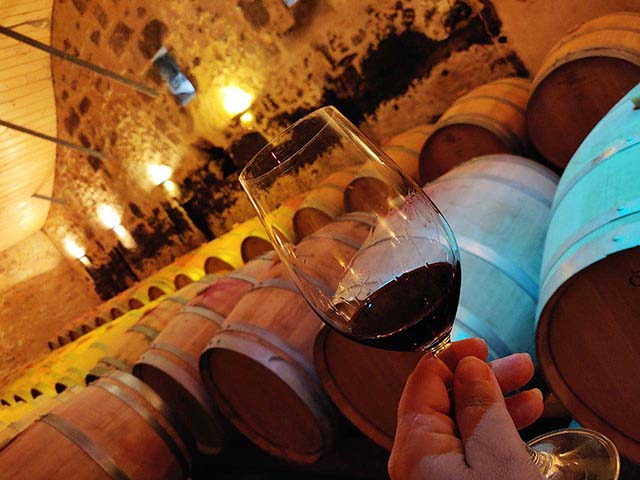 FAQ 07 - How much does a visit and wine tasting session cost?